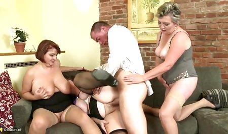 Гарячий секс красиве чеське порно утрьох після клубу