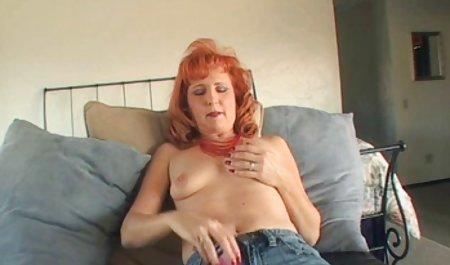 Сексуальна дівчина і чеські вулиці порно терти її солодку кицьку