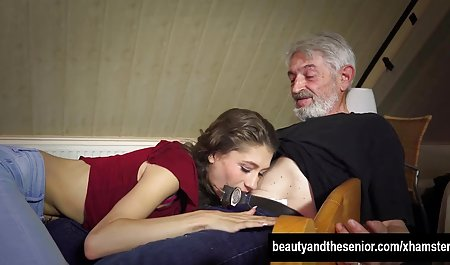 Гаряча красуня веб-камеру, оргазм секс за гроші чеське на вебкамеру