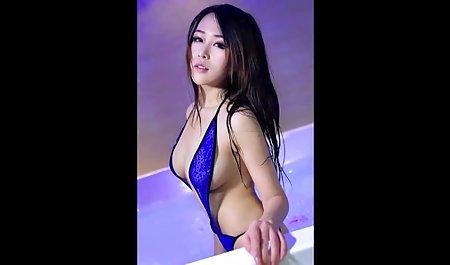 Красива азіатська дівчина, лежачи.10. порно чеська онлайн