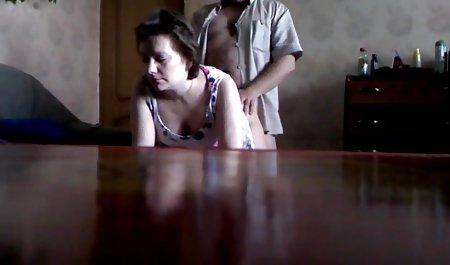 Ваша подруга пристрасно лиже чеське домашнє порно кицьку