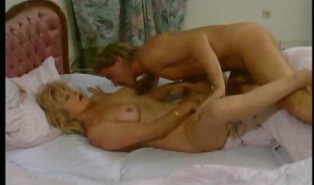 На підлозі купа красивих дівчат тижня чеські порномодели