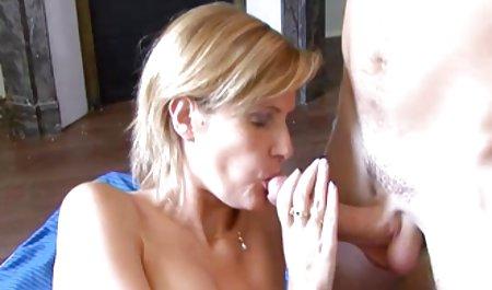 Велика жопа, дівчина, красуня приймає великий член порно в чеському масажному салоні