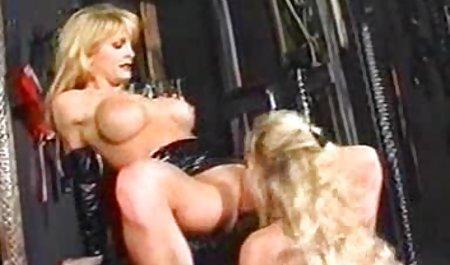 Красива порнозірка з порно з чехами великими цицьками дівчина в спа