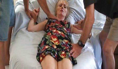 Чорна дівчина порно анал чеське смокче великий білий півень